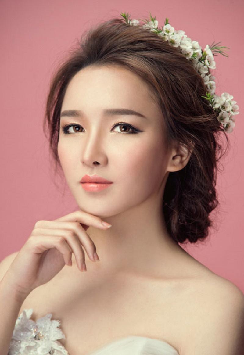 Phong cách trang điểm cô dâu hot nhất 2021 cuốn hút mọi ánh nhìn